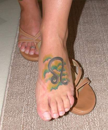 leo foot tattoos